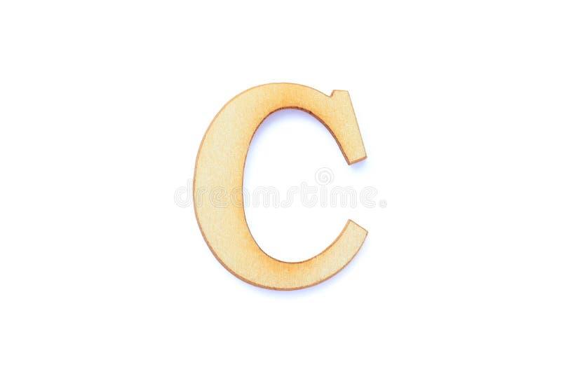 Letra alfabética fuente de madera con sombra aislada sobre fondo blanco Carácter inglés de madera plana C fotografía de archivo