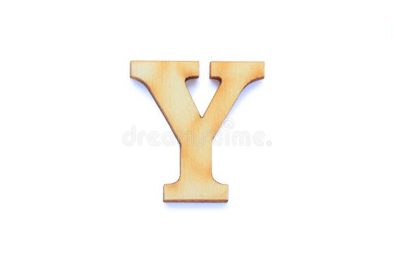 Letra alfabética fuente de madera con sombra aislada sobre fondo blanco Carácter inglés de madera plana Y imágenes de archivo libres de regalías