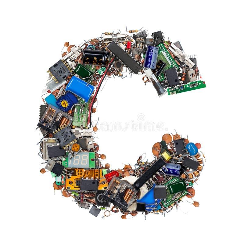 Letra C hecha de componentes electrónicos fotos de archivo