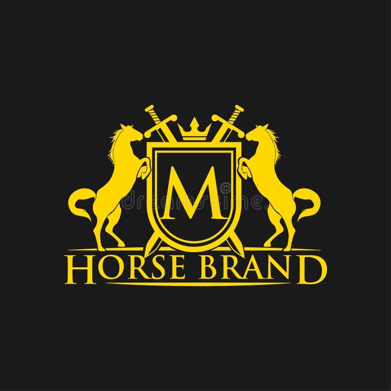 Letra inicial M Logo Vetor do projeto do logotipo do tipo do cavalo Crista dourada retro com protetor e cavalos Molde heráldico d ilustração stock