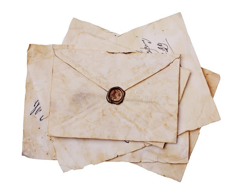 Letras e envelope velhos com cera do selo fotografia de stock