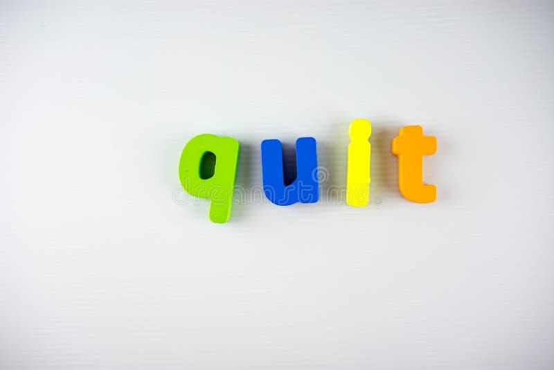 Letras paradas coloridas com fundo branco foto de stock