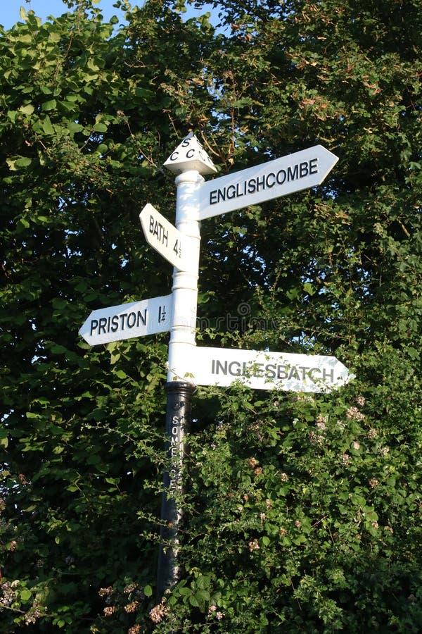 Letreiro da estrada do vintage no campo, Somerset foto de stock royalty free