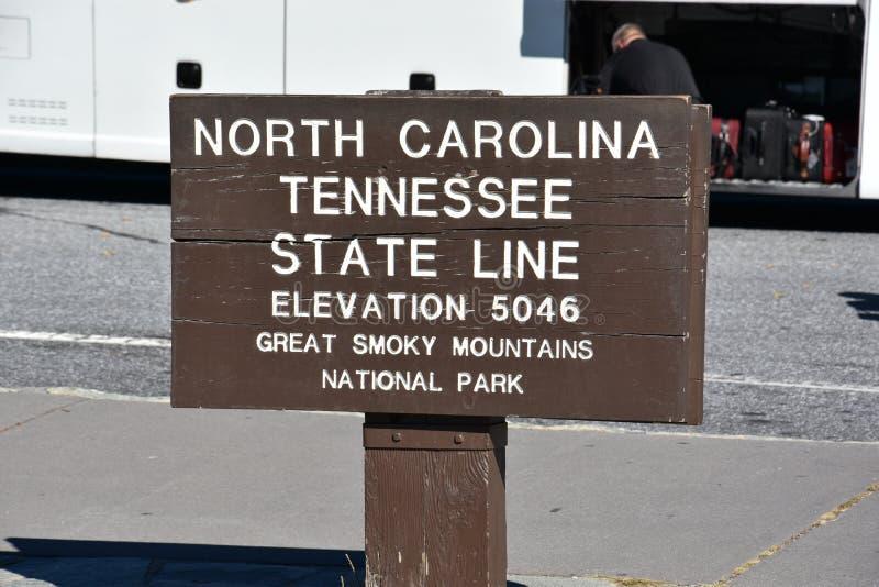 Letreiro de North Carolina e de Tennessee State Line imagem de stock