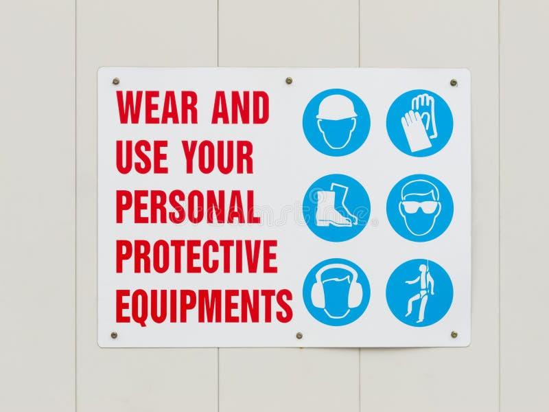 Letrero de los equipos protectores personales del desgaste fotos de archivo libres de regalías