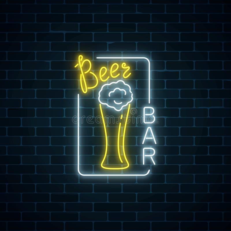Letrero De Neón Que Brilla Intensamente De La Barra De La Cerveza En ...