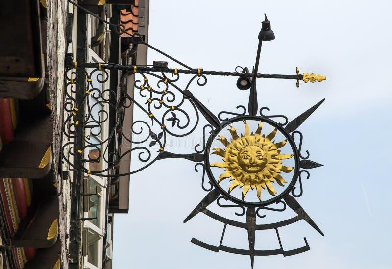 Letrero en la casa en Celle, Alemania foto de archivo