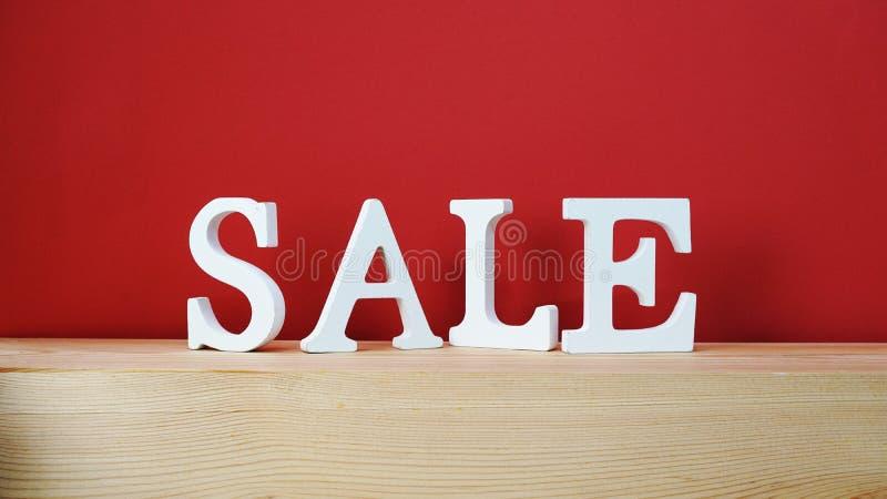 Lettera di alfabeto di vendita con il fondo dello spazio fotografie stock