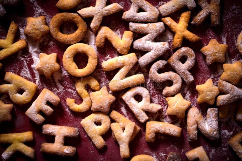Lettere dei biscotti immagini stock