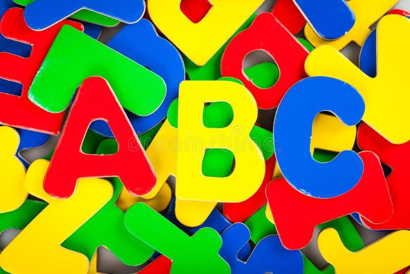 Download Lettere Di ABC Della Schiuma Con Altre Lettere Sul Fotografia Stock - Immagine di comunicazione, bambino: 117977648