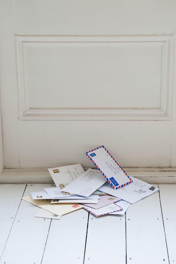 Lettere sul pavimento fotografie stock