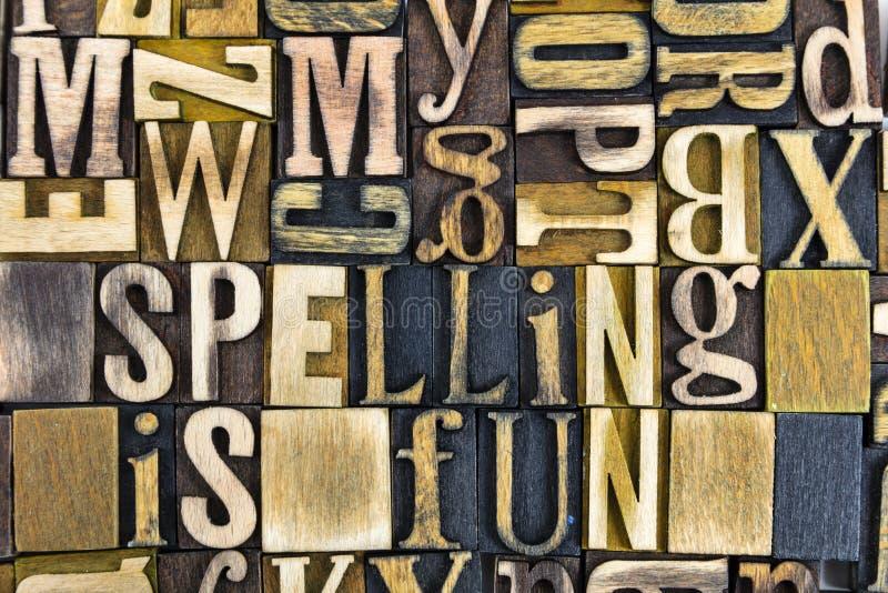 Letterpress потехи правописания формулирует древесину стоковое фото