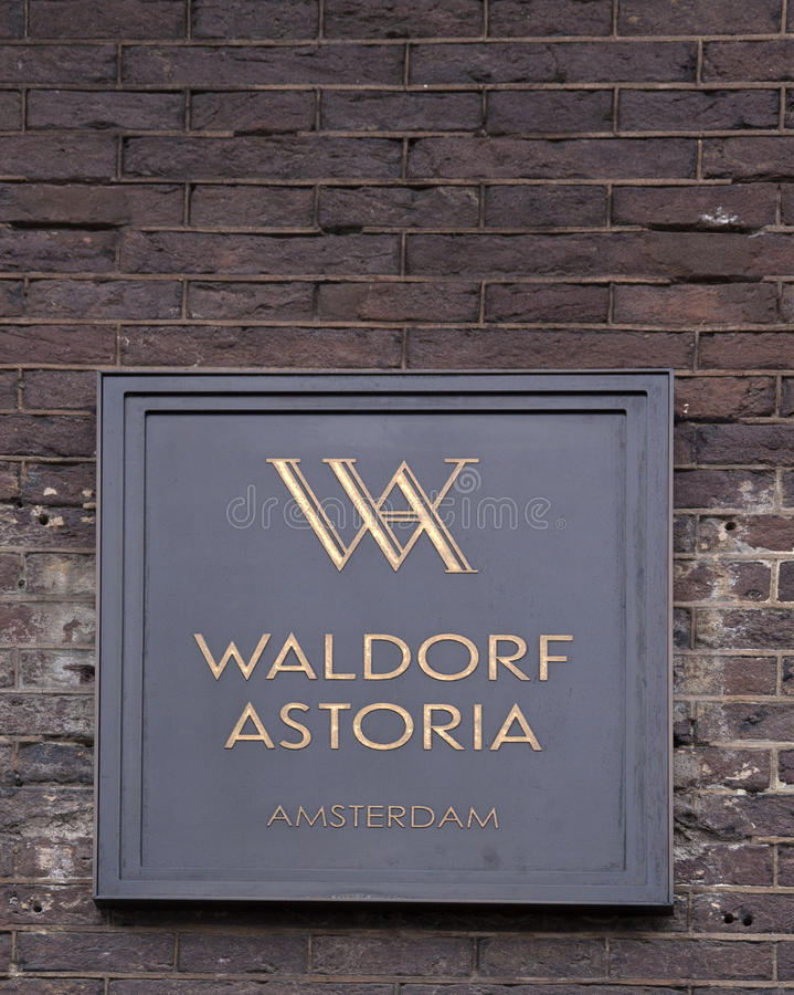 Free Letters Waldorf Astoria On A Facade In Amsterdam Royalty Free Stock Photos - 85640318
