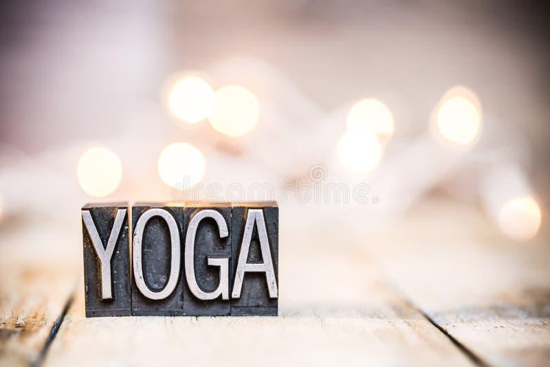 Letterzetseltype van het yogaconcept Uitstekend Thema stock foto