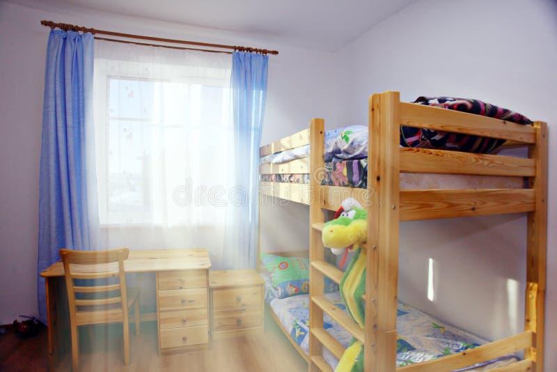 Letto di cuccetta dei bambini interni fotografia stock libera da diritti