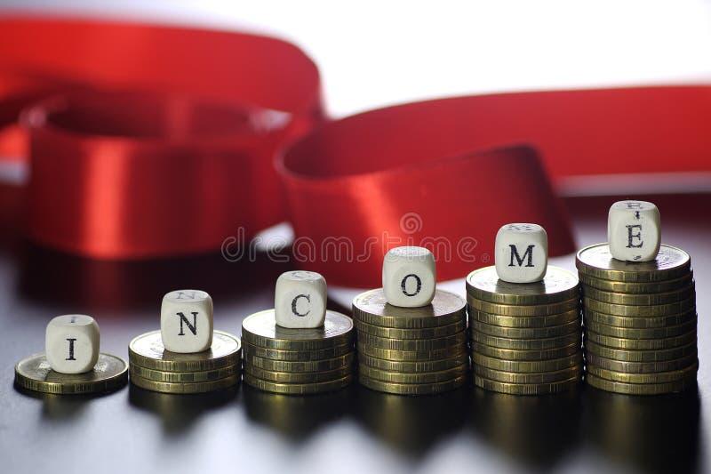 Lettre des textes de revenu image stock