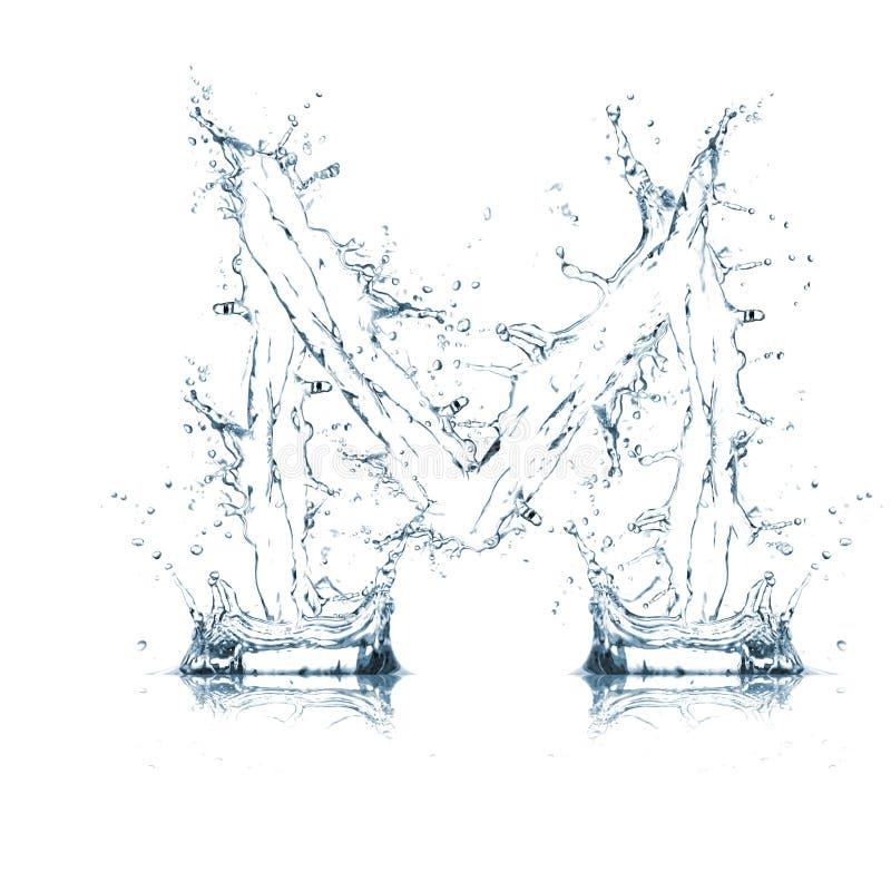 Lettre M d'alphabet de l'eau photographie stock