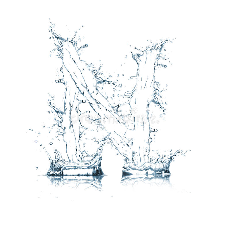 Lettre N d'alphabet de l'eau photos stock