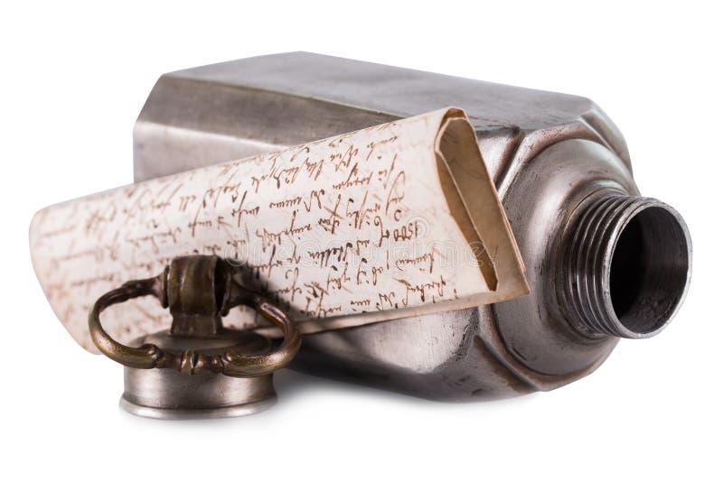 Lettre ou message dans une bouteille photo libre de droits