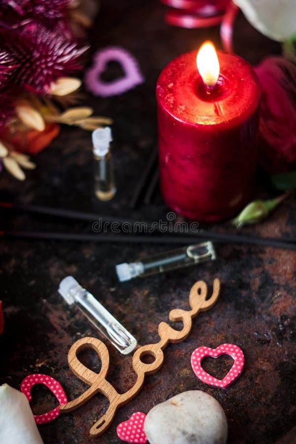 Lettres d'AMOUR sur le fond de Saint-Valentin photo libre de droits