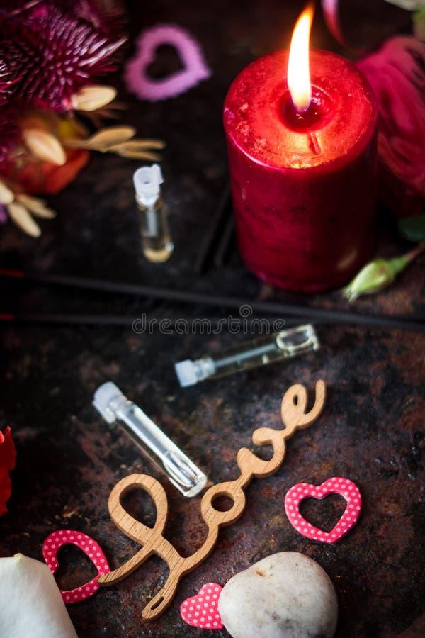 Lettres d'AMOUR sur le fond de Saint-Valentin photo stock