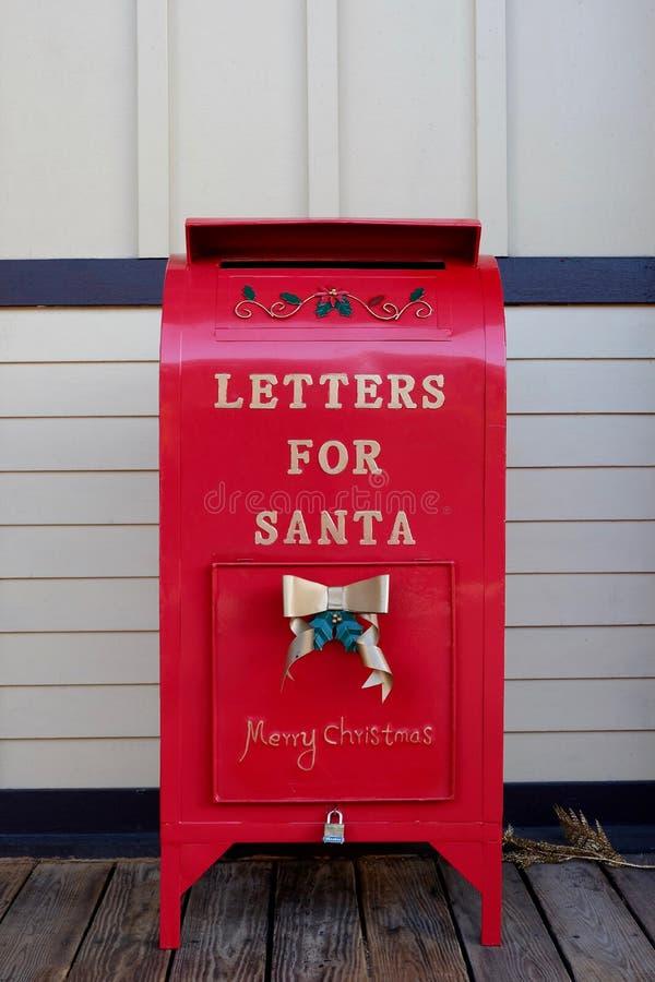 Lettres rouges spéciales pour Santa Mailbox image stock
