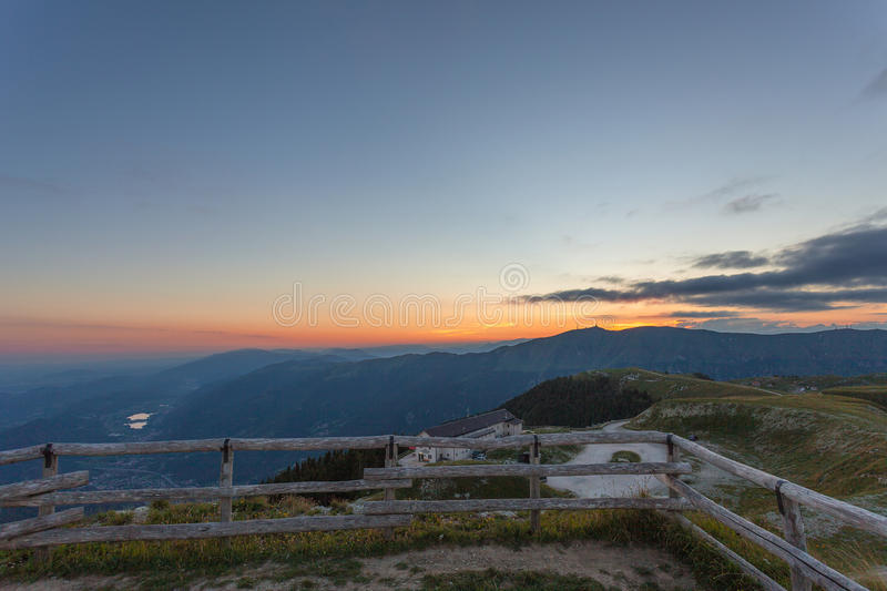 Letzter Moment des Tages in Rifugio Vittorio Veneto lizenzfreies stockfoto