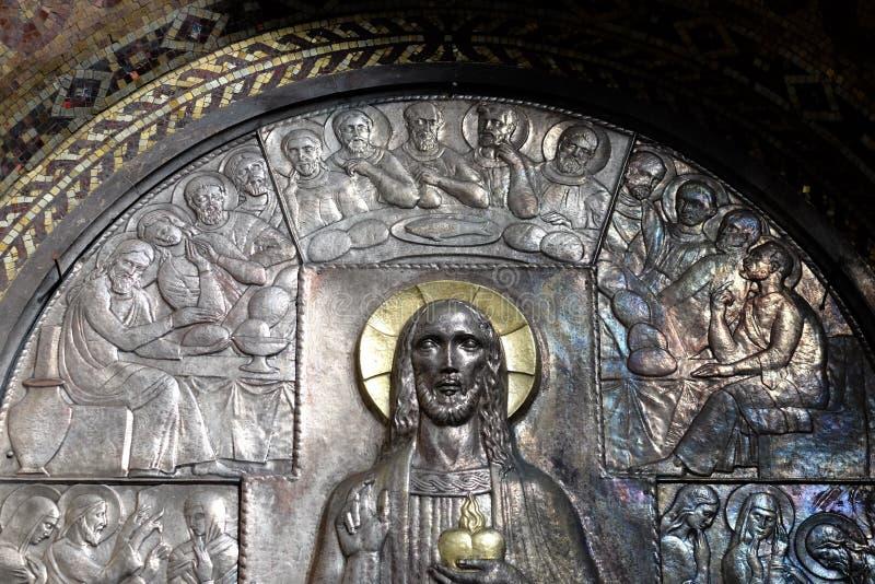 Letztes Abendessen, Altar des heiligen Herzens von Jesus in der Kirche des Heiligen Blaise in Zagreb stockbilder