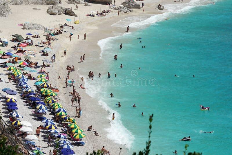 Leucade, la Grecia, il 16 luglio 2018, vista da sopra della spiaggia ed il mare di Oporto Katsiki fotografia stock libera da diritti