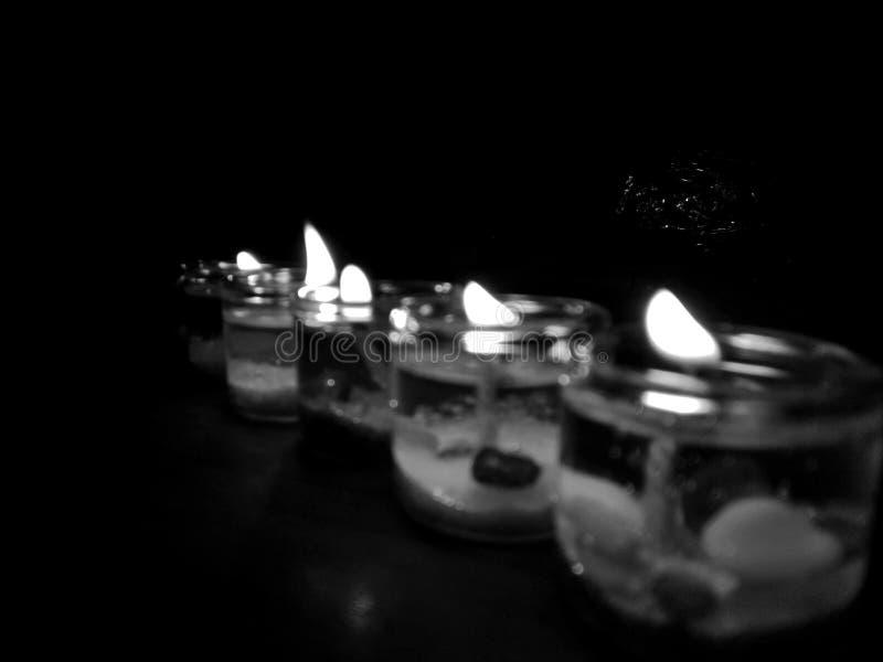 Leuchte in der Schw?rzung lizenzfreie stockbilder