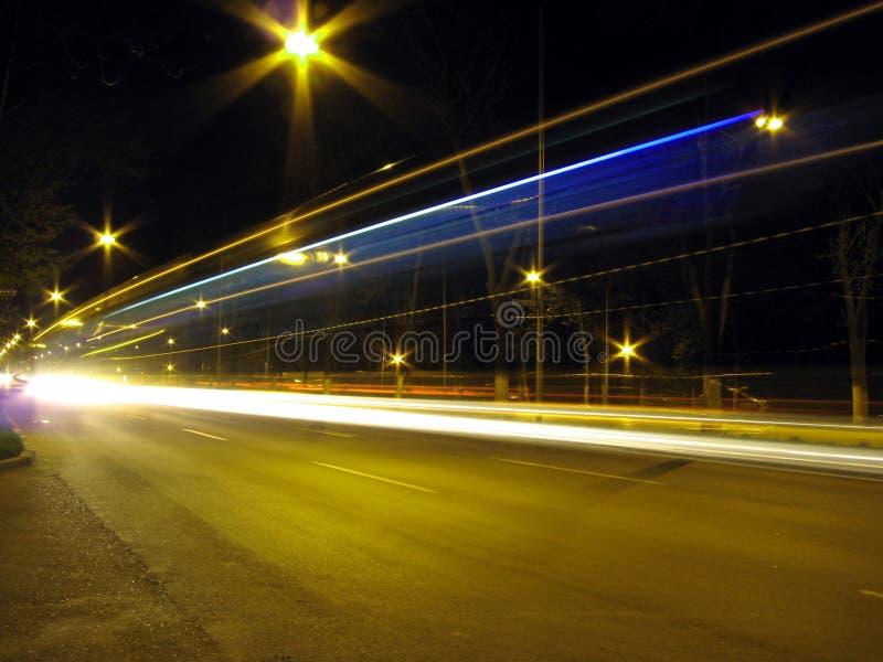 Leuchte und Dunkelheit lizenzfreies stockbild
