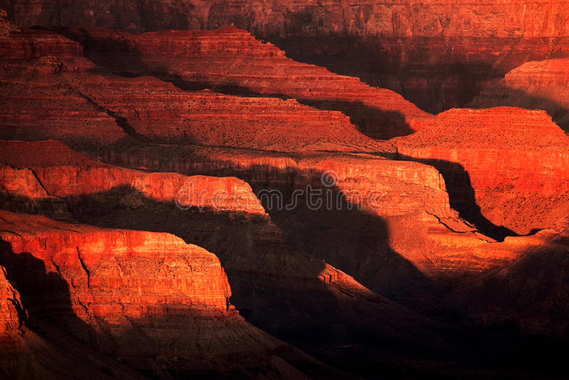 Leuchte und Schatten im Grand Canyon lizenzfreie stockfotografie