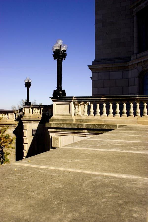 Download Leuchten auf Balkon stockbild. Bild von himmel, lampe, blau - 41373