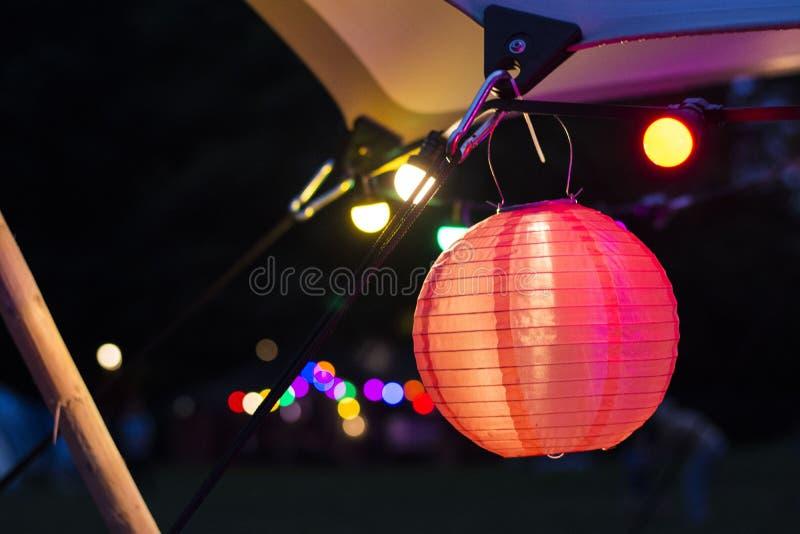 Leuchten nachts lizenzfreies stockbild
