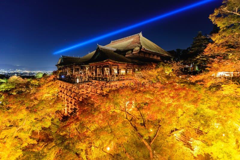 Leuchten Sie Laser-Show an kiyomizu dera Tempel, Kyoto lizenzfreie stockfotografie