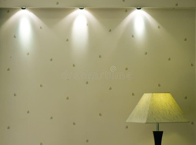 Leuchten und Wand lizenzfreies stockfoto