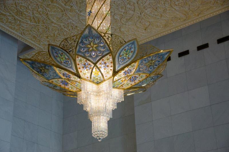 Leuchter bei Sheikh Zayed Grand Mosque lizenzfreies stockbild