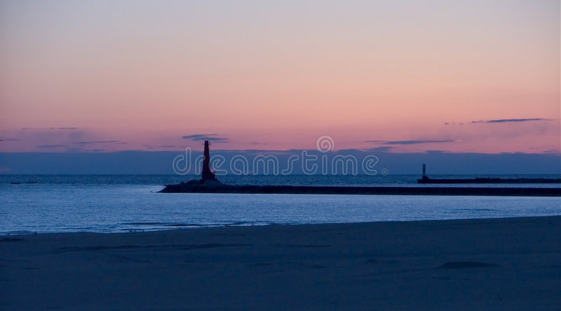 Download Leuchtturm stockfoto. Bild von leuchtturm, sonnenaufgang - 42174