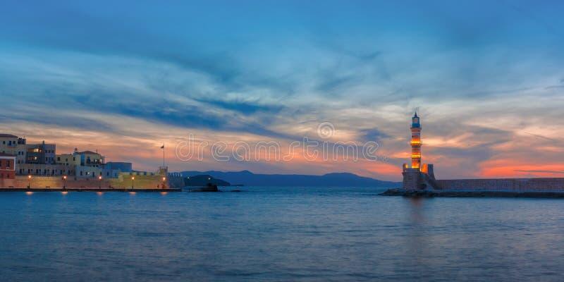 Leuchtturm bei Sonnenuntergang, Chania, Kreta, Griechenland lizenzfreie stockbilder