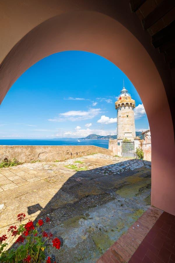 Leuchtturm der alten Stadt Portoferraio, Elba-Insel, Toskana, Italien lizenzfreie stockfotografie
