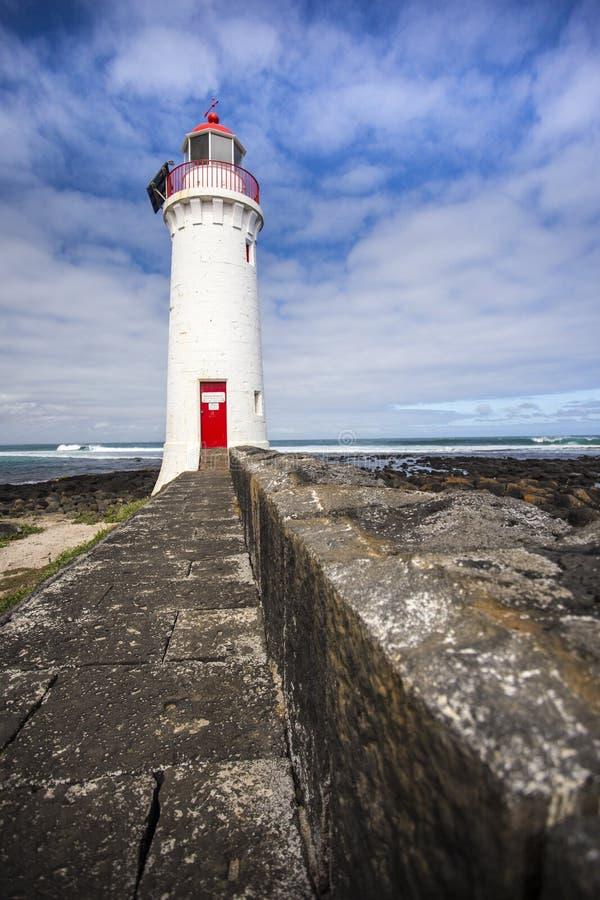 Leuchtturm an der feenhaften großen Ozeanstraße Melbourne Australien des Griffiths-Insel-Hafens stockfotos