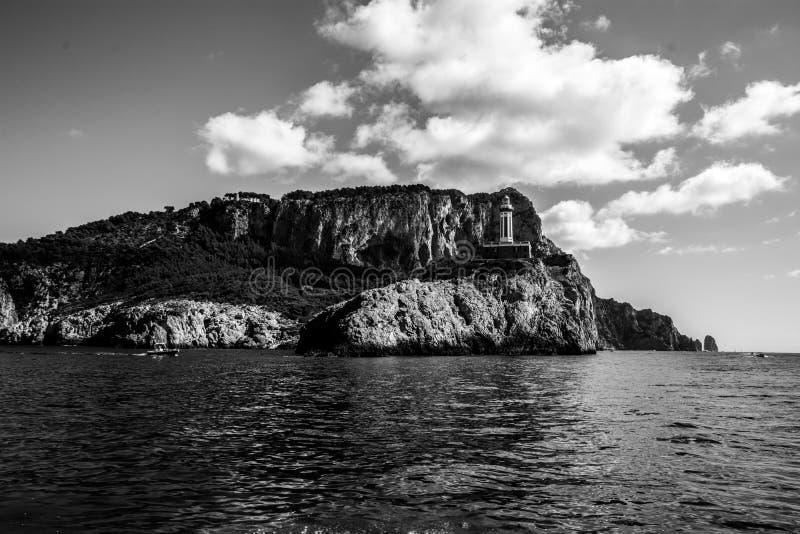 Leuchtturm des isand von Capri, Golf von Neapel, Italien lizenzfreies stockbild