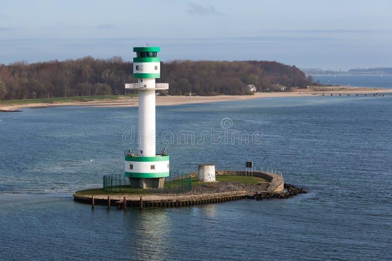Leuchtturm in einer Insel nahe dem Hafen von Kiel, Deutschland stockbild