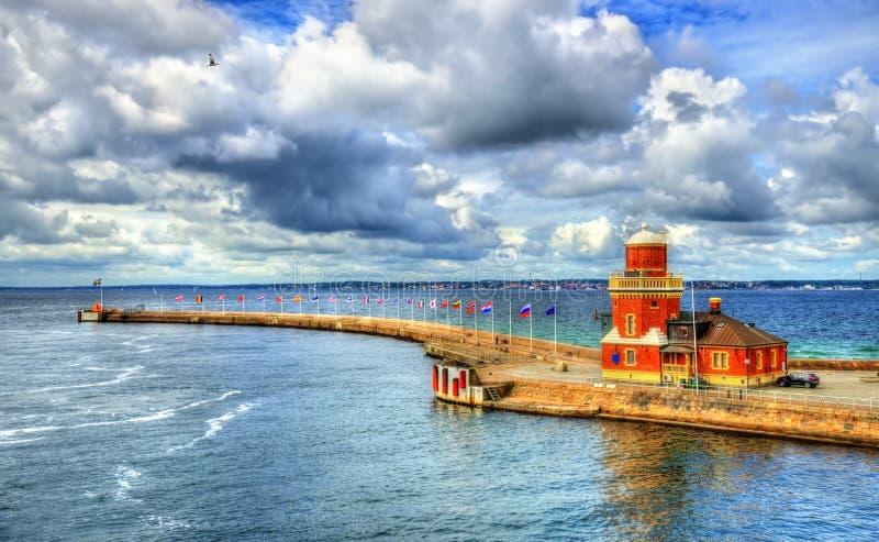 Leuchtturm am Hafen von Helsingborg - Schweden lizenzfreie stockbilder