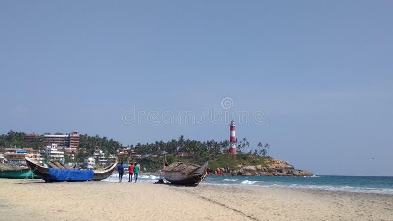 Leuchtturm an Kovalam-Strand stockfotografie