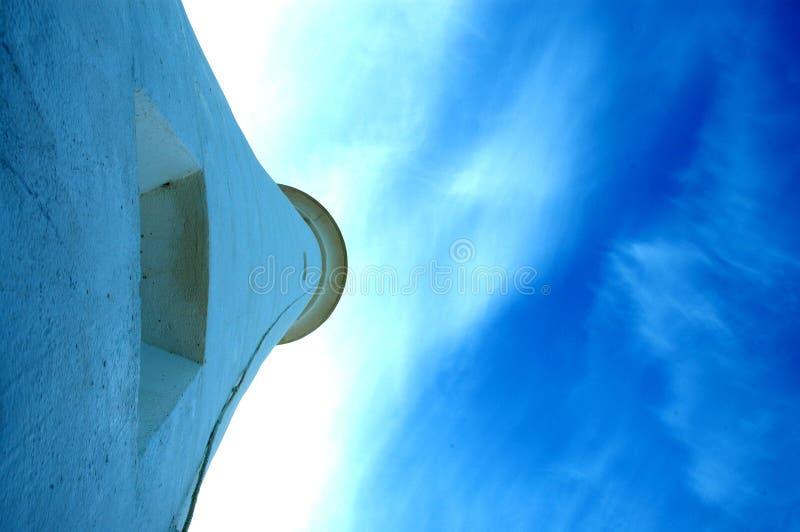 Leuchtturm mit blauem Himmel stockfoto