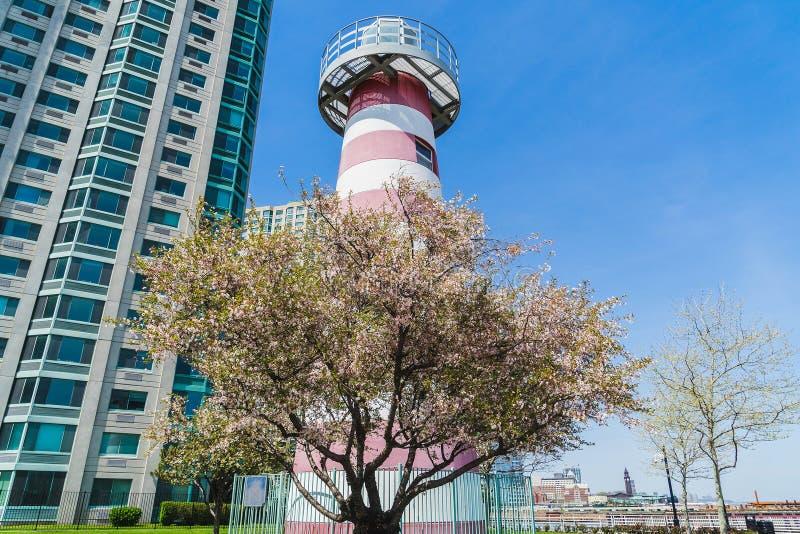 Leuchtturm in Newport Jersey City lizenzfreie stockbilder