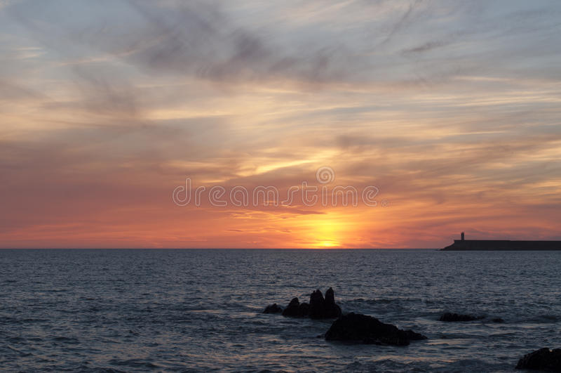 Leuchtturm Porto Portugal bei Sonnenuntergang stockfotos