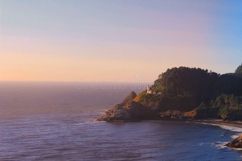 Leuchtturm-Sonnenuntergang stockfotos
