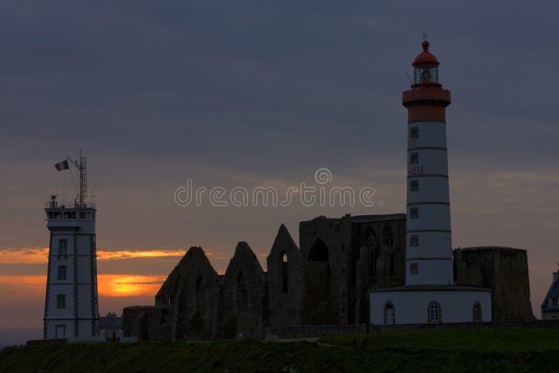 Leuchtturm und Ruinen des Klosters, Pointe de Saint Mathieu, Brite stockfoto